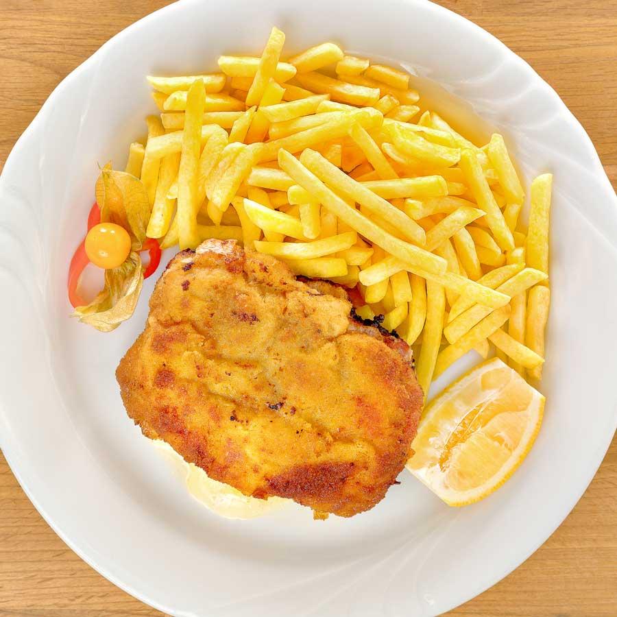 Cordon- bleu mit Pommes frites. Der Möve- Hit!